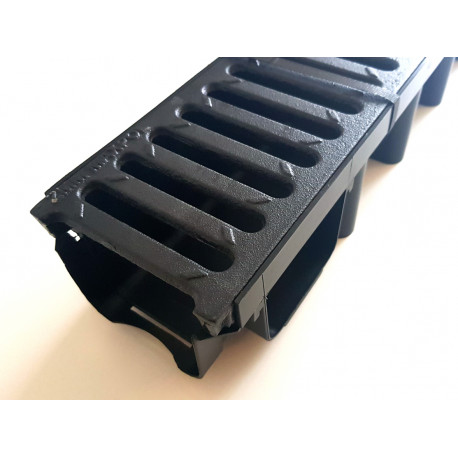 Odvodňovací žlab C250 s litinovouu mříží 25t (1000x131x98mm)